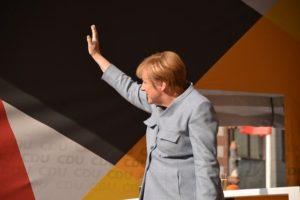 Merkel will Macht ergreifen