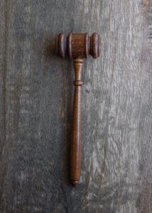 Corona-Maßnahmen vor Gericht